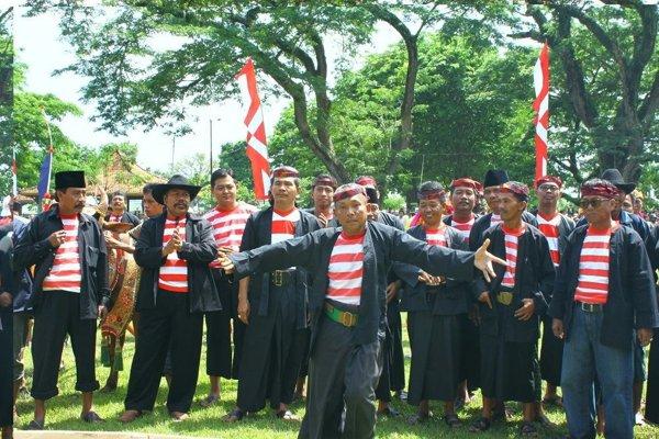 Baju Pesa'an Jawa Timur