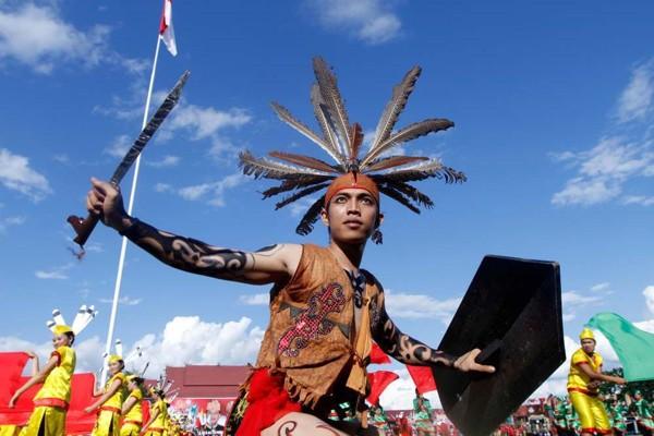 Pakaian Adat King Kabo