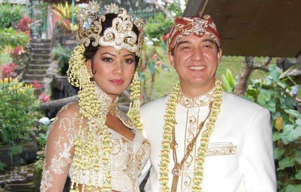 Pakaian Adat Jawa Barat untuk Acara Pernikahan