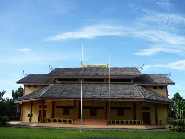 Rumah Adat Hibualamo
