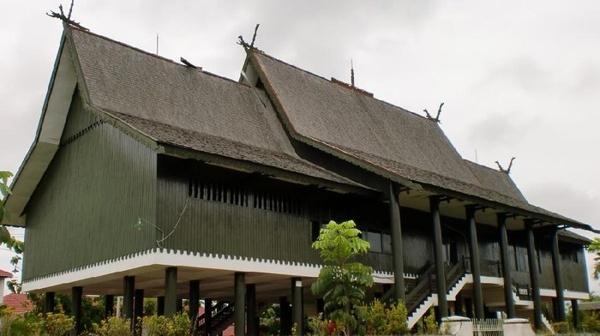 Rumah Betang Kalimantan Tengah