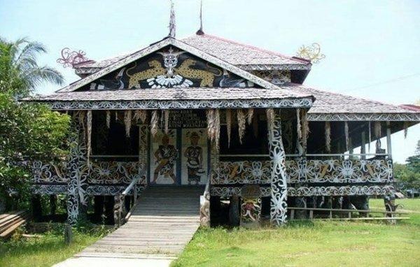 Rumah Lamin Kalimantan Timur