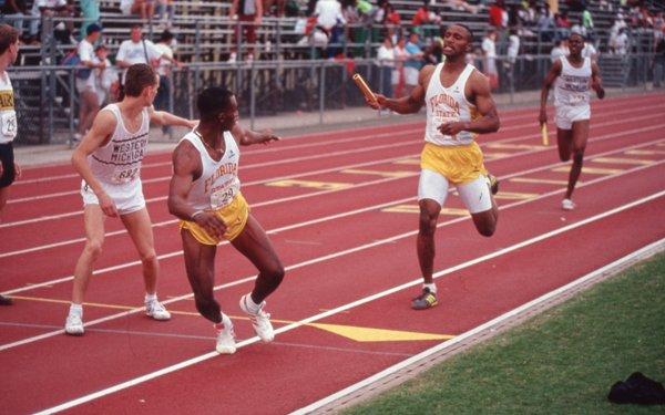 Pengertian Lari Estafet
